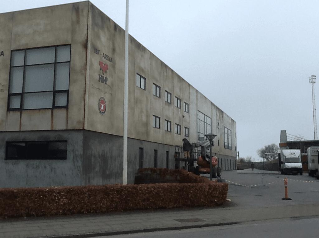Algebehandling af facade midtjylland